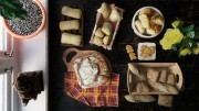 مدل سه بعدی غذا میوه هلو با هسته نان شیرینی کلوچه انجیر بادام زمینی فندق پسته بادام هندی کالباس سوسیس قارچ پنیر آفتابگردان بیسکویت چوب شور کوکی